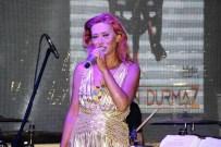 YILDIZ TİLBE - Yıldız Tilbe Şarkılarını Hayranları İle Beraber Söyledi