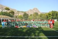 CENGIZ ERDEM - Amasya Belediyespor'dan 145 Çocuğa Futbol Eğitimi
