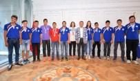 ÜSKÜDAR BELEDİYESİ - Başkan Türkmen, Şampiyon Sporcuları Ödüllendirdi