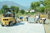 BALCıLAR - Köyceğiz'de Kilit Parke Döşeme Çalışmaları Devam Ediyor