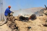 BEKIR YıLMAZ - Köyde Yangın Açıklaması 3 Ahır, 2 Samanlık Ve Köy Konağı Kül Oldu