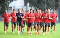MARTİN LİNNES - Galatasaray'da Nigel De Jong İlk Antrenmanına Çıktı