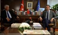 İSLAMAFOBİ - Bakan Çelik Açıklaması 'Türkiye'yi Eleştirmek İle Türkiye Karşıtlığı Arasına Bir Mesafe Koymak Gerekir'