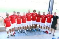 HÜSEYIN DEMIR - Bergama Belediyespor, 18 Futbolcuyu Renklerine Bağladı