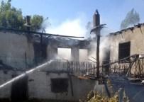 AHŞAP EV - Çorum'da Ev Yangını