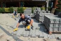 HASAN ALİ YÜCEL - Kartepe'de Alt Ve Üst Yapı Çalışmaları Devam Ediyor