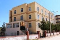 MUZAFFER ASLAN - Akçakale Belediyesi FETÖ'nün Yurdunu Kapattı
