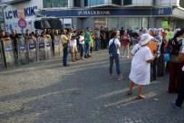 FAŞIST - Antalya'da HDP'li Kadınlardan Darbe Eylemi