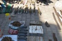 Derik'te PKK'ya Ait Silah Ve Mühimmat Ele Geçirildi
