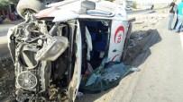 AHMET GÜZEL - Ambulans İle Kamyonet Çarpıştı Açıklaması 9 Yaralı