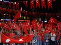 GÜRSOY OSMAN BİLGİN - Başkan Kadir Topbaş, Sarıyerli Vatandaşlarla Demokrasi Nöbeti'ne Katıldı