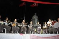 HILMI DÜLGER - Demokrasi Nöbetinde Vatandaşlar Türkülere Eşlik Etti