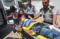 MEHMET KARATAŞ - Otomobil İle Bisiklet Çarpıştı Açıklaması 2 Yaralı