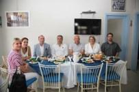 KARTAL BELEDİYESİ - Başkan Altınok Öz'den Tuzla Sosyal Dayanışma  Ve Yardım Derneği'ne Ziyaret