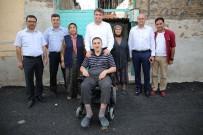TEKERLEKLİ SANDALYE - Engelli Adem Develi'ye Bayram Hediyesi