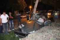 AHMET ÖZCAN - Hurdaya Dönen Otomobilden Sağ Çıktı