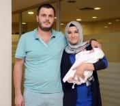 YENIDOĞAN - Prematüre Cemre Bebekten Ailesine Bayram Hediyesi