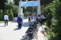 TEKERLEKLİ SANDALYE - Tekerlekli Sandalye Hizmeti Kurban Bayramında Da Hizmette