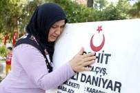 MUSTAFA KÖSE - Antalya'da Arefe Günü Mezarlıklar Doldu Taştı