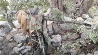 UÇAKSAVAR - Irak Sınırında Saldırı Hazırlığındaki Teröristlere Baskında Silah Ve Mühimmat Ele Geçirildi