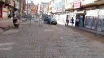 ZIRHLI ARAÇLAR - Kayyum Atanan Nusaybin Belediyesi'ne Türk Bayrağı Asıldı