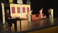 TÜRKAN SAYLAN - Maltepeli Minikler Tiyatro Salonunu Doldurdu
