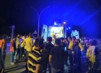 SERVERGAZI - Otomobil Motosiklete Arkadan Çarptı Açıklaması 2 Ölü, 3 Yaralı