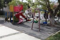 TAHTEREVALLI - Urla'da Parklar Yenilendi