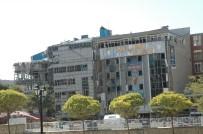 İBRAHIM TAŞYAPAN - Van'daki Patlamada 2'Si Polis 19 Kişi Yaralandı