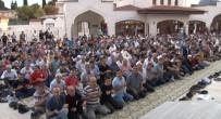 Zeytinburnu Belediye Başkanı Murat Aydın, Vatandaşlarla Bayramlaştı