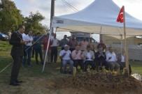 MEHMET ÖZER - Akçakoca'da Şehit Ailesi Ve Kabri Ziyaret Edildi