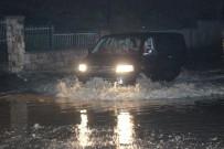 SU BASKINI - Denizli Sağanak Yağış Çok Sayıda Evi Su Altında Bıraktı