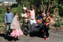 TANZANYA - Milli Güreşçi Rıza Kayaalp, Zanzibar'da Kurban Eti Dağıttı