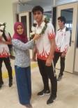 TEKVANDO - Şampiyon Sporcular Çiçeklerle Karşılandı