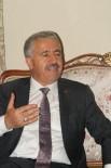 BÖLÜNMÜŞ YOLLAR - Ulaştırma Bakanı Arslan, Ardahan'da Vatandaşlarla Bayramlaştı