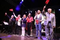 ÖLÜMSÜZ - Urla'da Kurtuluş Konseri Düzenlendi