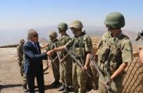 KONTROL NOKTASI - Vali Toprak Sınırdaki Askerlerle Bayramlaştı