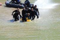 BALIK TUTMAK - Sakarya Nehri'ne Düşen Şahsın Cansız Bedeni Bulundu