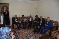 EMNİYET AMİRİ - Salihli Protokolünden Şehit Ailelerine Bayram Ziyareti