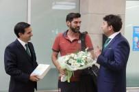 MUHAMMED AK - Shakhtar Donetsk Kafilesi Çiçeklerle Karşılandı