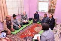 AİLE VE SOSYAL POLİTİKALAR BAKANI - Bakan Kaya, Beyoğlu'nda Şehit Ailesini Ziyaret Etti