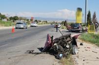 RAMAZAN YIĞIT - İki Otomobil Çarpıştı Açıklaması 1 Ölü, 2'Si Çocuk 4 Yaralı