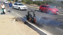 Seyir Halindeki Motosiklet Cayır Cayır Yandı