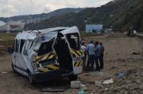 Trabzon'da Bayram Dönüşü Trafik Kazası Açıklaması 12 Yaralı
