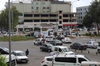 ATATÜRK BULVARI - Bayram Sonrası Adıyaman'da Yoğun Trafik
