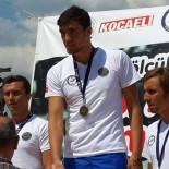 YÜZME - Sakaryalı Milli Yüzücünün Hedefi Avrupa Şampiyonluğu