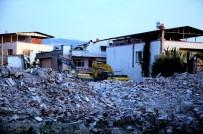 AFET BÖLGESİ - Fay Hattındaki Evlerin Yıkımı Sürüyor