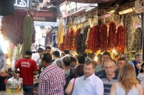 OKUL ALIŞVERİŞİ - Gurbetçi Vatandaşlar, Çarşı Esnafının Yüzünü Güldürdü