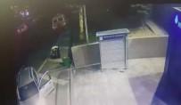 METRO İSTASYONU - Jetonmatik Hırsızına Minibüs Böyle Çarptı