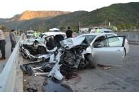 HACıHAMZA - Karşı Şeride Geçen Otomobil İki Araca Çarptı Açıklaması 7 Yaralı